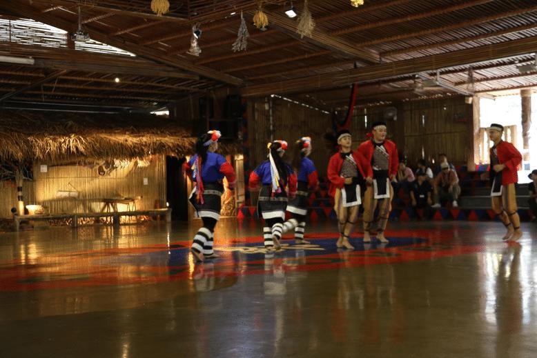 達娜伊谷內 鄒族表演